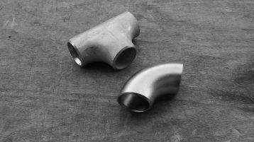 Raccordi seamless in acciaio inox: completamento della gamma e articoli in stock